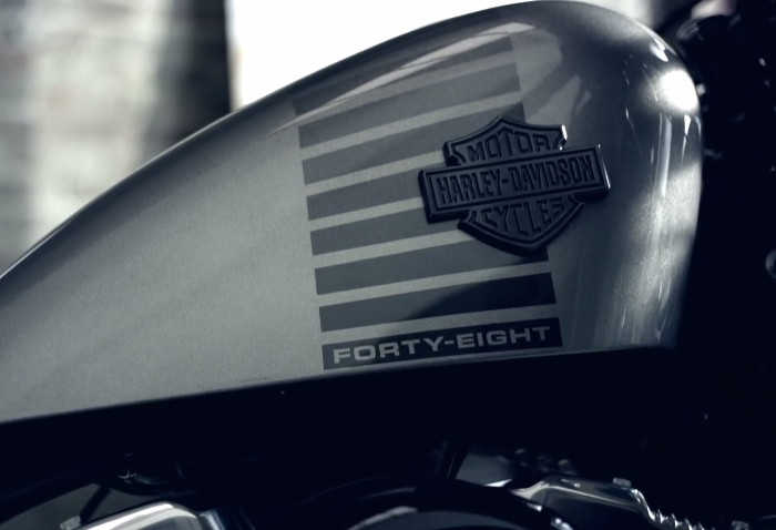 Harley-Davidson Forty Eight motorcycle, logo on the tank